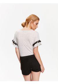 Beżowy t-shirt TOP SECRET elegancki, na lato