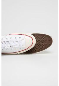 Converse - Trampki. Nosek buta: okrągły. Zapięcie: sznurówki. Kolor: biały. Materiał: guma
