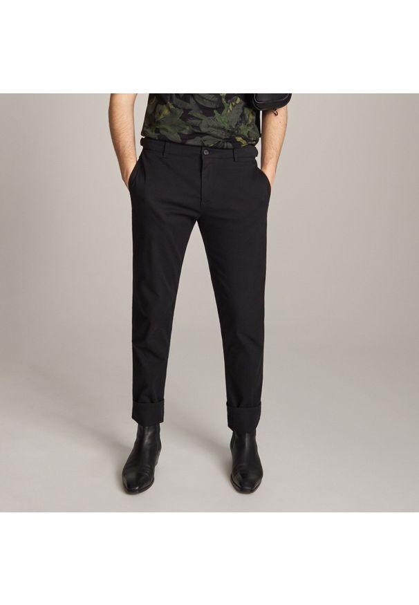 Czarne spodnie Reserved klasyczne