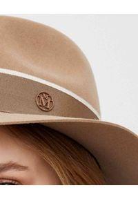 MAISON MICHEL PARIS - Beżowy kapelusz. Kolor: beżowy. Materiał: futro, materiał. Wzór: aplikacja. Sezon: jesień, zima
