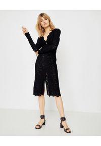 ICON - Koronkowa sukienka Bella. Kolor: czarny. Materiał: koronka. Długość rękawa: długi rękaw. Wzór: koronka, geometria. Typ sukienki: dopasowane
