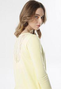 Żółta bluzka z długim rękawem Born2be
