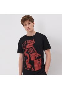 Czarny t-shirt Sinsay