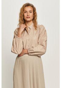 Jacqueline de Yong - Koszula. Okazja: na co dzień. Kolor: różowy. Materiał: tkanina. Długość rękawa: długi rękaw. Długość: długie. Wzór: gładki. Styl: casual