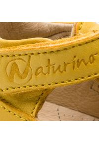 Żółte sandały Naturino na lato