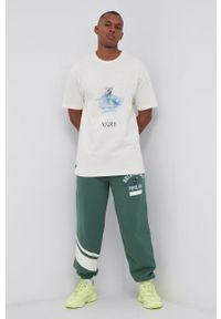 Vans - T-shirt bawełniany Off The Wall Gallery, Kostechko. Kolor: beżowy. Materiał: bawełna. Wzór: nadruk