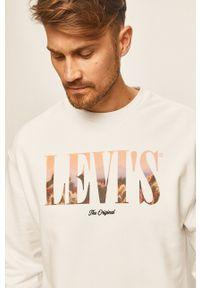 Levi's® - Levi's - Bluza. Okazja: na spotkanie biznesowe, na co dzień. Kolor: biały. Materiał: dzianina. Wzór: nadruk. Styl: casual, biznesowy