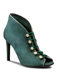 Zielone półbuty Carinii eleganckie, z cholewką