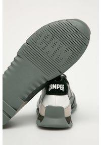 Szare sneakersy Camper na sznurówki, z okrągłym noskiem, z cholewką