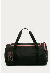 Czarna torba podróżna EA7 Emporio Armani sportowa, z nadrukiem