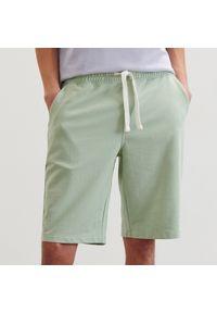Reserved - Dresowe szorty basic - Zielony. Kolor: zielony. Materiał: dresówka
