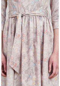 Marie Zélie - Sukienka Melia Pellucida. Typ kołnierza: kokarda. Materiał: bawełna, satyna, skóra, materiał. Styl: klasyczny