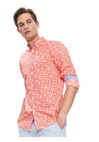 TOP SECRET - Koszula z lekkiej tkaniny dopasowana. Okazja: na co dzień. Kolor: różowy. Materiał: tkanina. Długość rękawa: krótki rękaw. Długość: długie. Sezon: lato, wiosna. Styl: elegancki, casual