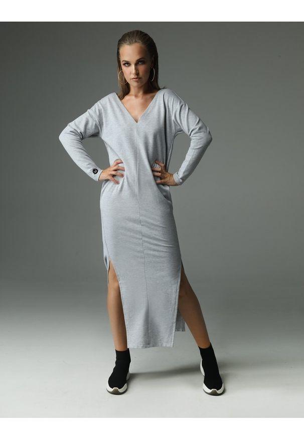 Madnezz - Sukienka The Ruler - szara. Kolor: szary. Materiał: dzianina, wiskoza, bawełna, elastan, tkanina. Wzór: aplikacja. Typ sukienki: wyszczuplające