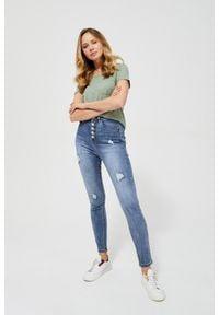 MOODO - Jeansy high waist z przetarciami. Stan: podwyższony. Długość: długie. Wzór: gładki