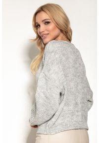 Fobya - Sweter z Okrągłym Dekoltem w Casualowym Stylu - Szary. Kolor: szary. Materiał: wełna, poliakryl