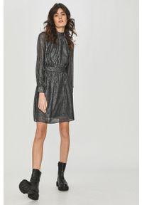 Czarna sukienka Answear Lab na spotkanie biznesowe, z długim rękawem, wakacyjna
