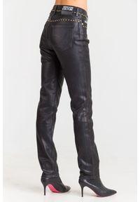 Versace Jeans Couture - JEANSY VERSACE JEANS COUTURE. Stan: podwyższony. Styl: klasyczny