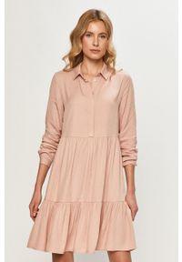 Vila - Sukienka. Kolor: różowy. Materiał: tkanina. Długość rękawa: długi rękaw. Wzór: gładki. Typ sukienki: rozkloszowane