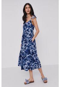 GAP - Sukienka. Kolor: niebieski. Materiał: tkanina. Długość rękawa: na ramiączkach. Typ sukienki: rozkloszowane