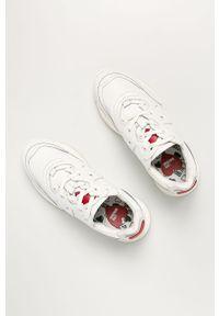 Białe buty sportowe Love Moschino na obcasie, z okrągłym noskiem, na średnim obcasie, na sznurówki