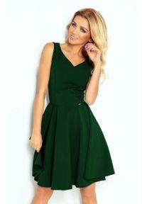 Numoco - Zielona Sukienka Elegancka Rozkloszowana na Szerokich Ramiączkach. Kolor: zielony. Materiał: poliester, elastan. Długość rękawa: na ramiączkach. Styl: elegancki