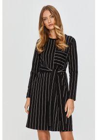 MAX&Co. - Sukienka. Kolor: czarny. Materiał: dzianina. Długość rękawa: długi rękaw. Typ sukienki: rozkloszowane