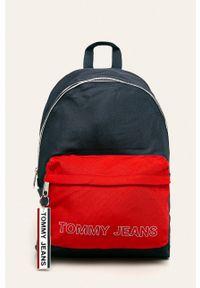 Czerwony plecak Tommy Jeans z nadrukiem