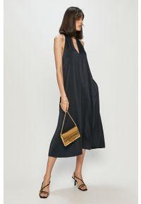 Niebieska sukienka Samsoe & Samsoe maxi, rozkloszowana, gładkie, bez rękawów