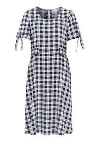 Cellbes Wzorzysta sukienka z marszczeniem granatowy w kratkę female niebieski/ze wzorem 38/40. Kolor: niebieski. Materiał: tkanina, materiał. Długość rękawa: krótki rękaw. Wzór: kratka. Sezon: lato