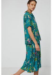 medicine - Medicine - Koszula Commercial. Okazja: na co dzień. Kolor: zielony. Materiał: tkanina. Długość rękawa: krótki rękaw. Długość: krótkie. Styl: casual