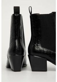 Czarne botki vagabond na obcasie, z cholewką, na średnim obcasie
