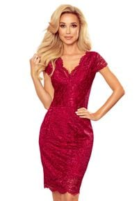 Numoco - Koronkowa Sukienka z Kobiecym Dekoltem V - Bordowa. Kolor: czerwony. Materiał: koronka
