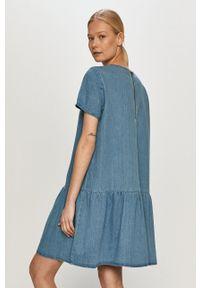 Noisy may - Noisy May - Sukienka jeansowa. Okazja: na co dzień. Kolor: niebieski. Materiał: jeans. Długość rękawa: krótki rękaw. Typ sukienki: proste. Styl: casual