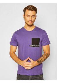 Fioletowy t-shirt Calvin Klein Jeans