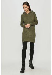 Zielony sweter Jacqueline de Yong z kapturem, długi, casualowy, na co dzień