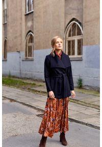 Marie Zélie - Płaszcz Adela granatowy –wełna Nova Fides. Kolor: niebieski. Materiał: wełna. Długość rękawa: długi rękaw. Długość: długie. Sezon: zima #6