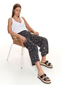TOP SECRET - Spodnie damskie culotte w delikatny wzór. Kolor: niebieski. Materiał: materiał. Wzór: nadruk. Sezon: lato. Styl: wakacyjny