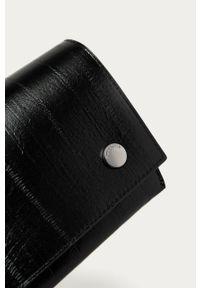 Czarna kopertówka AllSaints skórzana, na ramię
