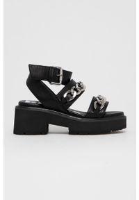 Czarne sandały Buffalo na średnim obcasie, na obcasie, gładkie