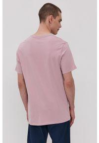 Levi's® - Levi's - T-shirt. Okazja: na co dzień, na spotkanie biznesowe. Kolor: fioletowy. Wzór: nadruk. Styl: biznesowy, casual