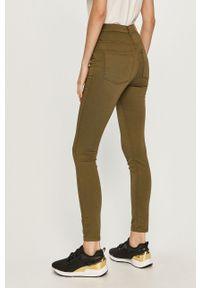 Zielone jeansy Jacqueline de Yong z podwyższonym stanem