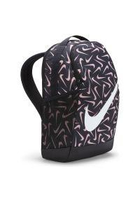 Plecak sportowy Nike Brasilia DA5851. Materiał: poliester, materiał. Wzór: nadruk, paski. Styl: sportowy