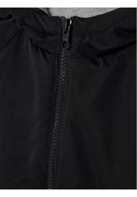 Guess Kurtka przejściowa L0YL04 WDGC0 Czarny Regular Fit. Kolor: czarny