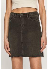 Vero Moda - Spódnica jeansowa. Okazja: na co dzień. Stan: podwyższony. Kolor: czarny. Materiał: jeans. Styl: casual