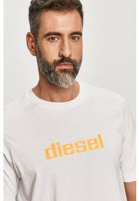 Diesel - T-shirt. Okazja: na co dzień. Kolor: biały. Wzór: nadruk. Styl: casual
