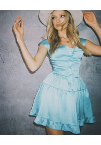 LOVE & ROSE - Niebieska sukienka mini Tequila. Typ kołnierza: dekolt gorset. Kolor: niebieski. Materiał: tkanina, satyna, koronka. Długość rękawa: na ramiączkach. Wzór: koronka. Typ sukienki: gorsetowe, rozkloszowane. Długość: mini