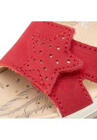 Czerwone sandały Primigi