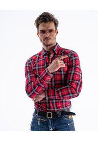 GUNS & TUXEDOS - Koszula w kratę Ranger 2. Typ kołnierza: kołnierzyk klasyczny. Kolor: czerwony. Materiał: jeans, bawełna. Wzór: aplikacja. Styl: klasyczny