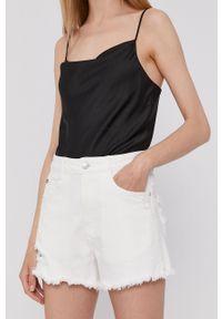 Miss Sixty - Szorty jeansowe. Okazja: na co dzień. Kolor: biały. Materiał: jeans. Styl: casual